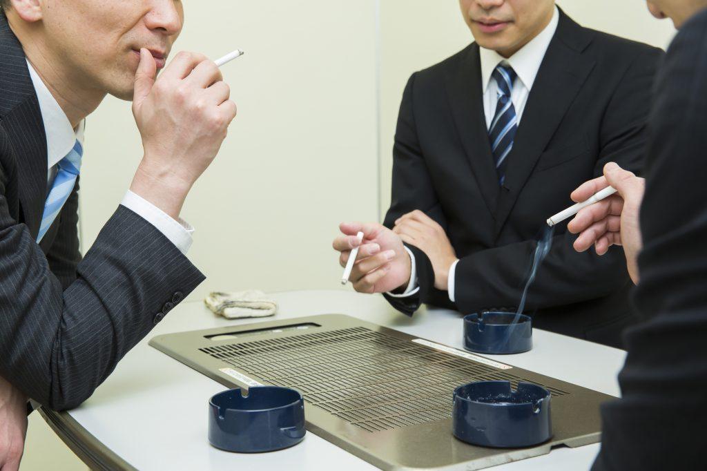 喫煙所 分煙 ビジネスマン オフィス
